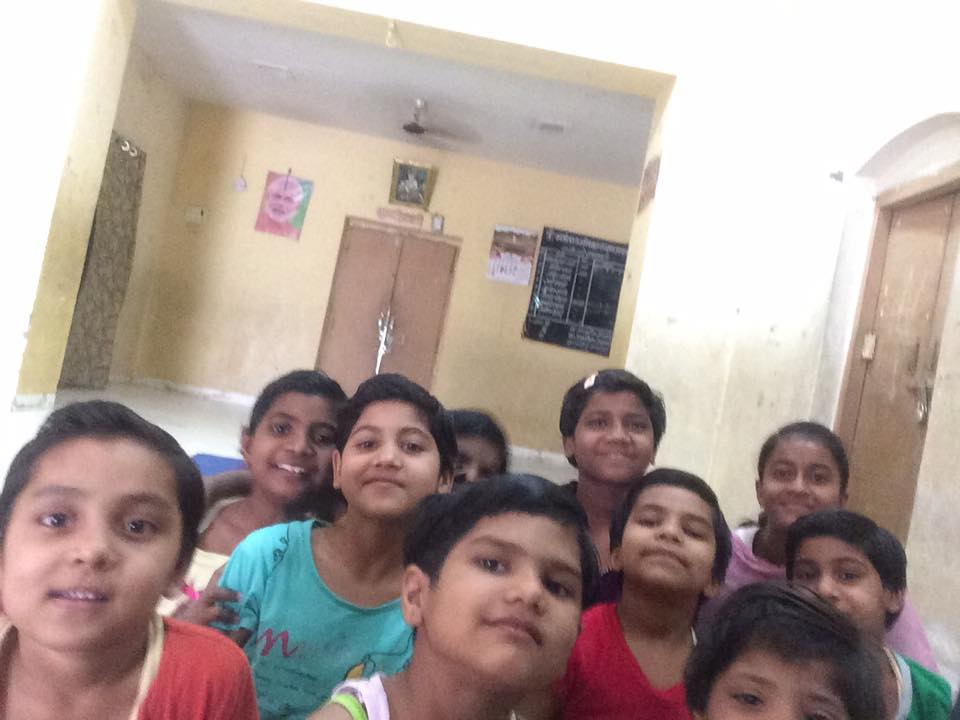 Amita mishra & myself talking with girls of rajkiya Bal Sarakchad ashram chavni about safety precaution & measures to be taken against sexual abuse with girls of age group 5 to 15 this is our 12 episode of बेटी बचाओ बेटी पढ़ाओ और उसे समझाओ