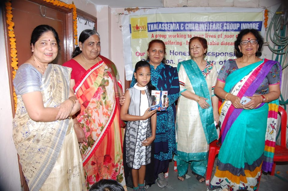 Free test camp on Bal divas at Nidan pathology it was Bal divas celebration with thalassemic children gifts to all & prizes to those who answered the questions , every test including serum Ferratin ,x ray eco cardiogram as advised by needy patients done fee of cost thanks to Farida Kaul Mina shah Manorama agrawal sandhya Panchayti for attending it